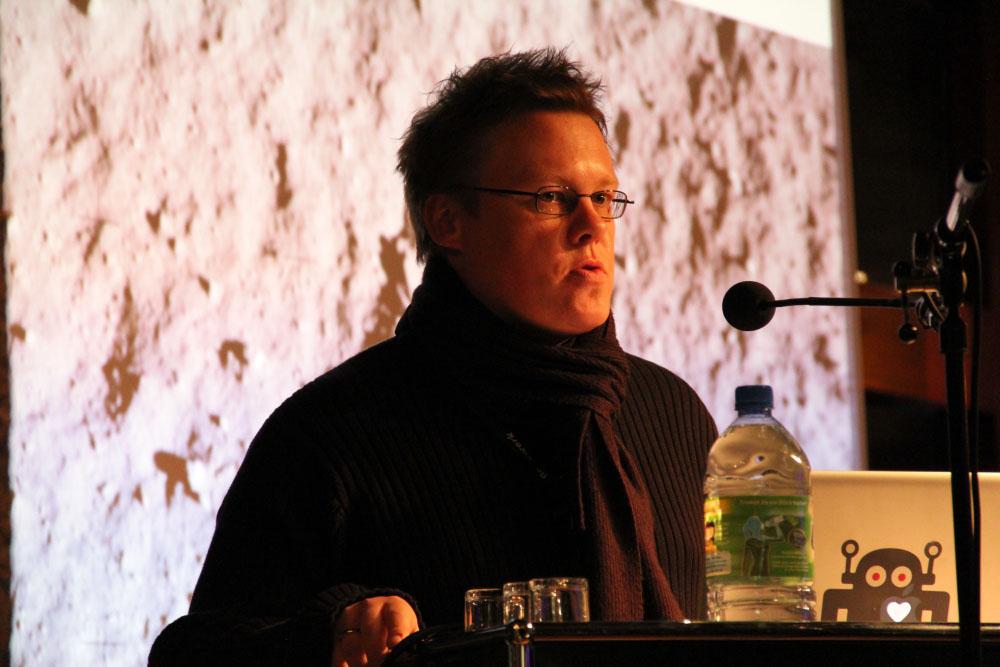 Jan Piatkowski: Social Media im Weltall, Twittwoch Köln, 2013.